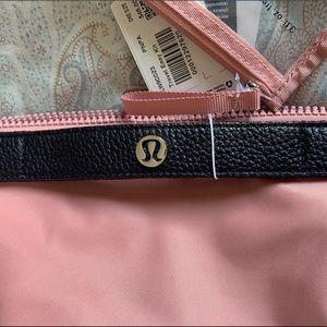 M 💙 Lululemon Easy Kit Travel Bag NWT